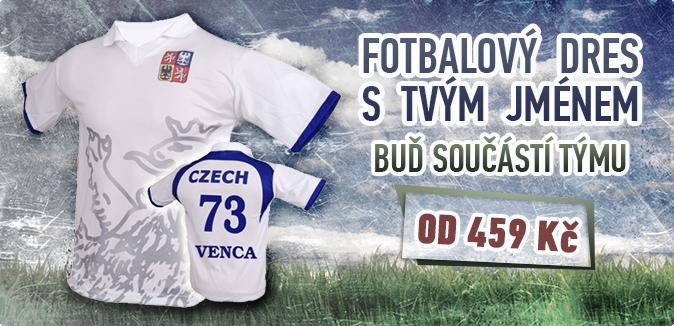 Reprezentační fotbalové dresy s vlastním jménem a číslem.